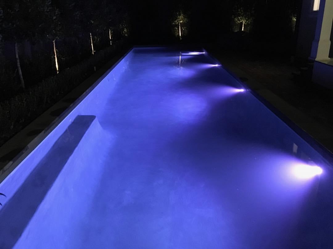 Purple-color-pool-lighting.jpg